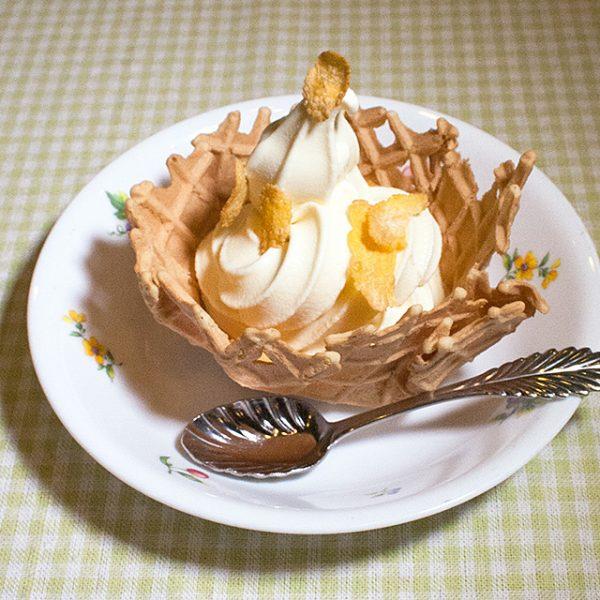 ワッフルコーンのソフトクリーム